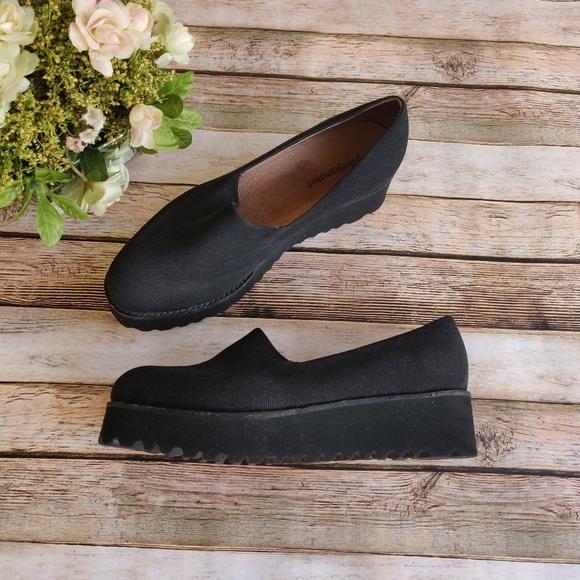 Jeffrey Campbell Shoes - Like New Jeffrey Campbell Black Platform Shoes